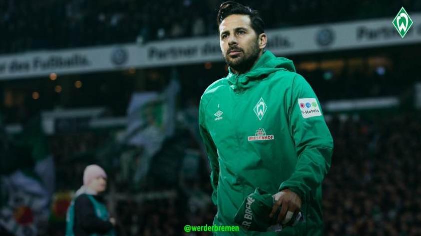 ¡Malas noticias! Claudio Pizarro se perderá algunos partidos con el Werder Bremen