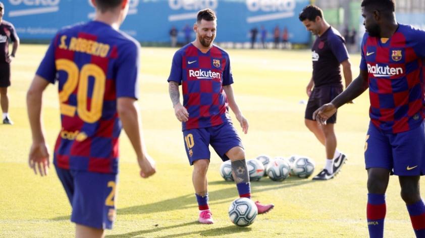 Se pone a punto: Lionel Messi volvió a entrenar con sus compañeros en el FC Barcelona
