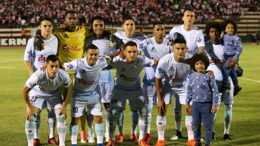 Real Garcilaso venció 2-0 a Santos en su debut de Copa