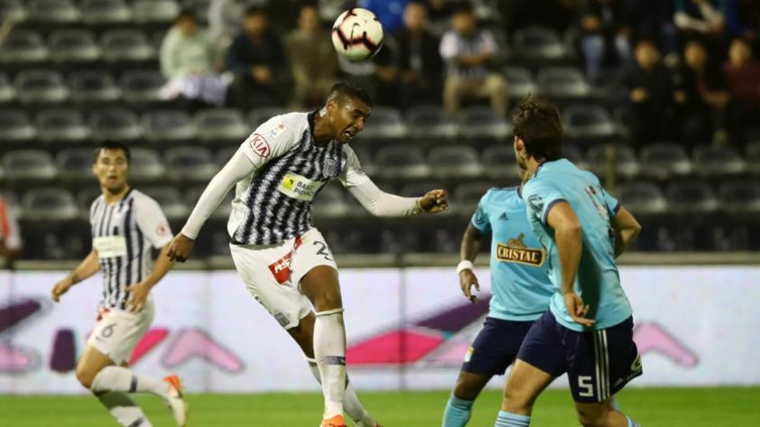 """Aldair Fuentes: """"Ganarle a Sporting Cristal es un punto de quiebre para seguir peleando arriba"""""""
