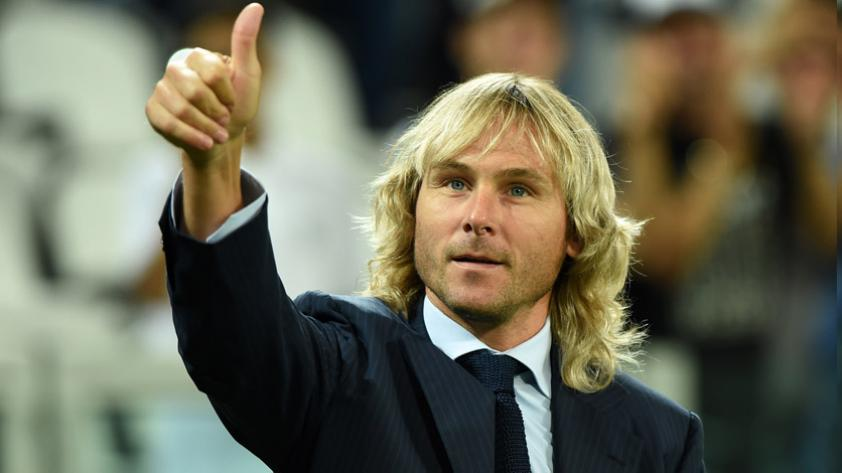 ¿Pavel Nedved regresa al fútbol?