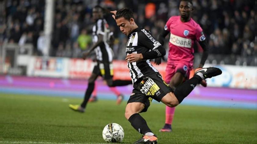Cristian Benavente figura en el once ideal del fútbol de Bélgica