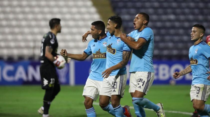 Sporting Cristal será el primer equipo peruano en ser arbitrado por el VAR en Copa Sudamericana