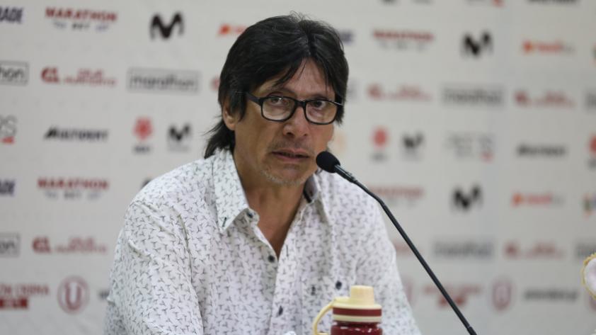 """Ángel Comizzo: """"Tengo al mejor arquero de este país en mi equipo"""
