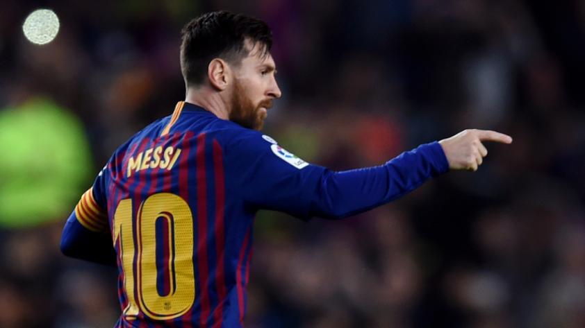 Lionel Messi va por el récord de Pelé como máximo goleador de un club