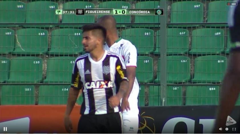 (VIDEO) Peruanos en el exterior: Víctor Cedrón debutó con asistencia en Figueirense de Brasil