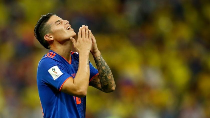 El consuelo de Arturo Vidal a James Rodríguez tras la eliminación de Rusia 2018