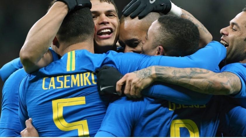 Brasil gustó, ganó y goleó al anfitrión del Mundial