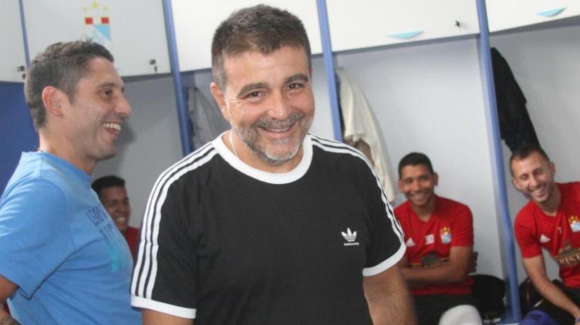 """Claudio Vivas: """"Vamos a intentar mejorar lo que hizo Mario Salas en Sporting Cristal"""""""