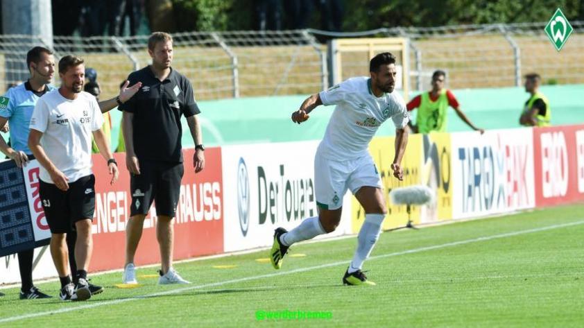 Claudio Pizarro continúa haciendo historia en el Werder Bremen