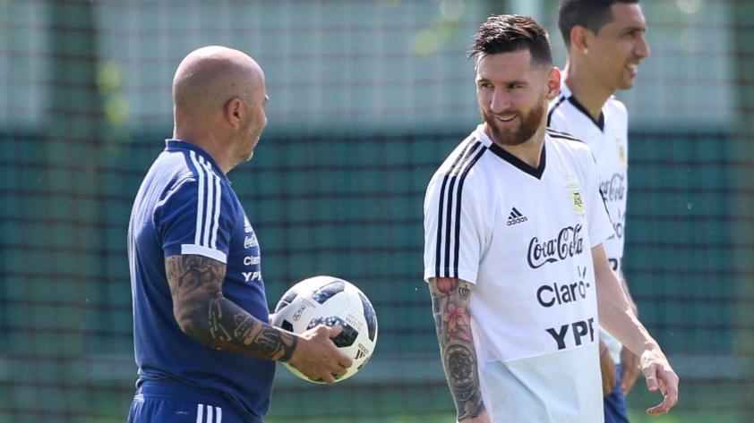 ¿Quién dirigía el equipo? La discusión entre Sampaoli, Messi y Mascherano quedó al descubierto