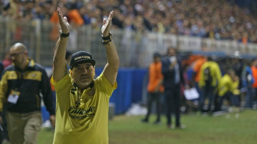 Diego Maradona seguirá siendo el DT de los Dorados de Sinaloa