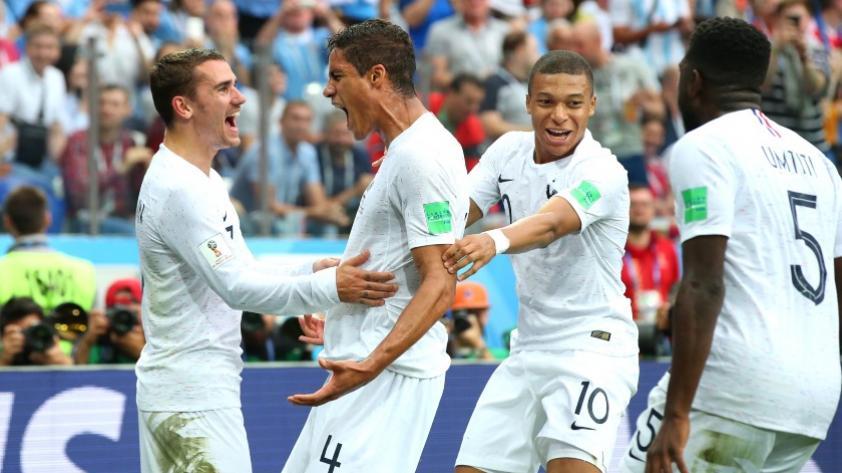 Francia venció 2-0 a Uruguay y es el primer semifinalista de Rusia 2018