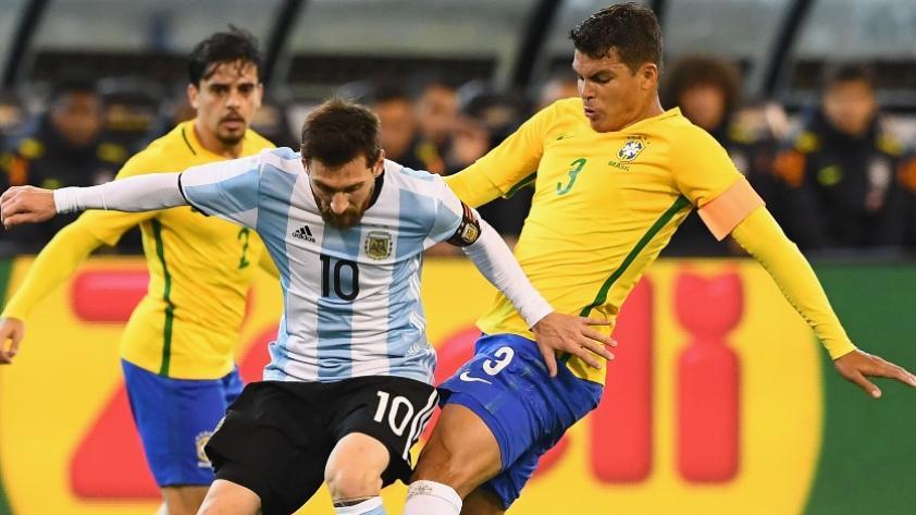 Thiago Silva sobre Lionel Messi: