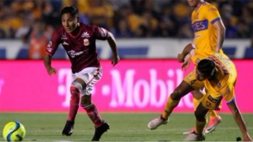 (VIDEO) Raúl Ruidíaz sigue en racha: golazo ante Tigres