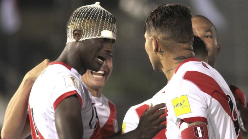 Los jugadores peruanos que llegan en capilla al duelo con Ecuador
