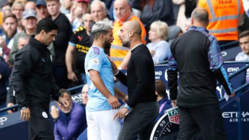 Guardiola y Sergio Agüero tuvieron un fuerte cruce de palabras en el partido del Manchester City (VIDEO)