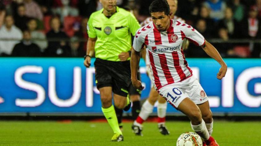 ¿Edison Flores debería dejar el fútbol danés?
