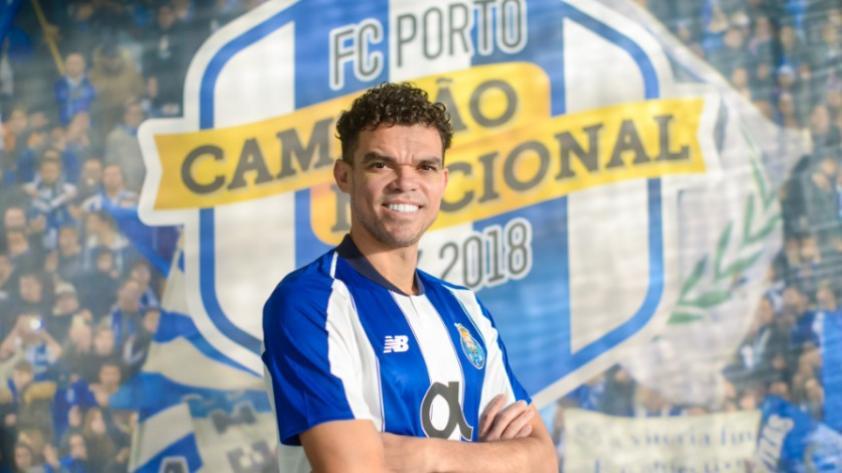 Pepe regresó al FC Porto y jugará la Champions League