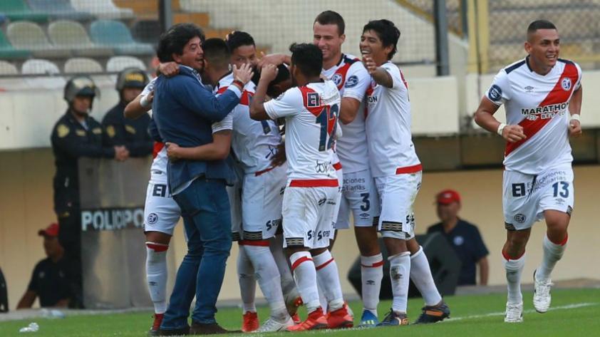 Aplastante victoria: Municipal venció 4 a 2 a Universitario con una increíble demostración de juego en el Monumental