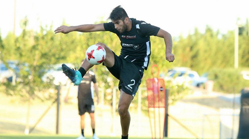 ¿Es positivo para Carlos Zambrano emigrar al fútbol griego?