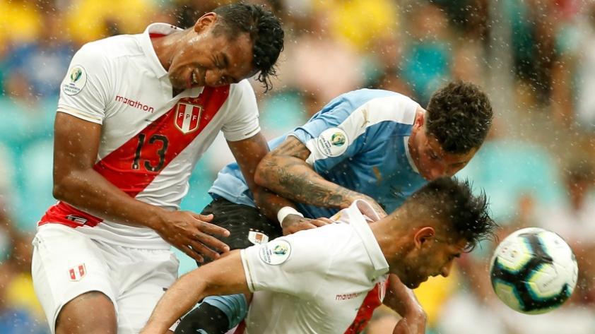 Selección Peruana: Renato Tapia y Carlos Zambrano cumplirán mañana 50 partidos con la blanquirroja