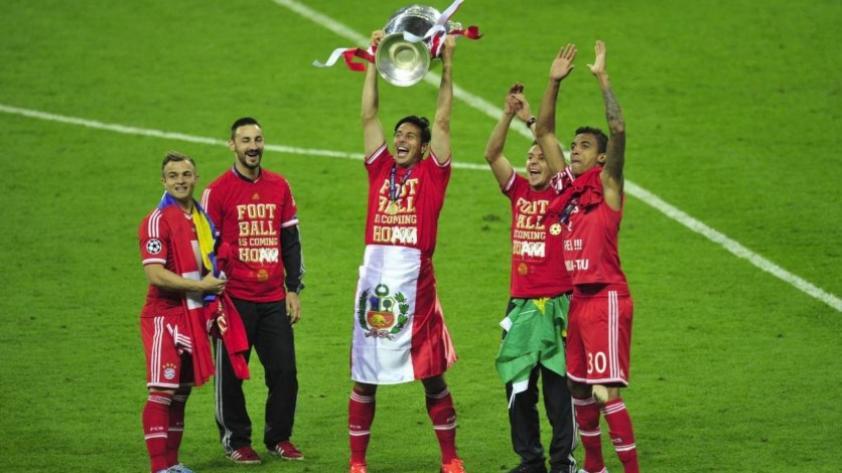 Claudio Pizarro: La Champions League le rinde homenaje al delantero peruano (VIDEO)