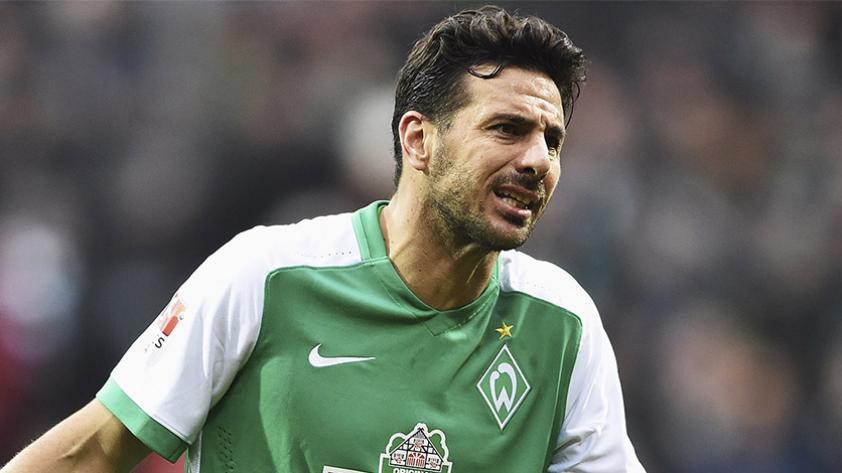 ¿Claudio Pizarro debe continuar en el fútbol europeo?
