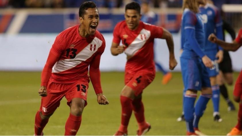 (VIDEO) Perú vs. Islandia: el gol de cabeza de Renato Tapia que adelantó a la bicolor