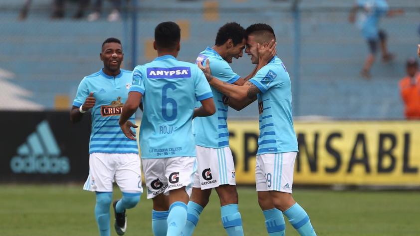 Cristal venció fácil 2-0 a Sport Huancayo en el arranque del Apertura