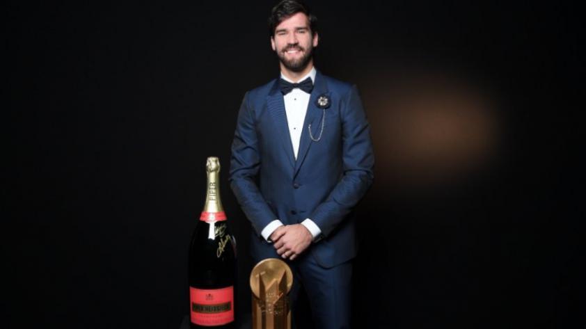 Balón de Oro: Allison Becker se llevó el trofeo Yashin como el mejor arquero del año