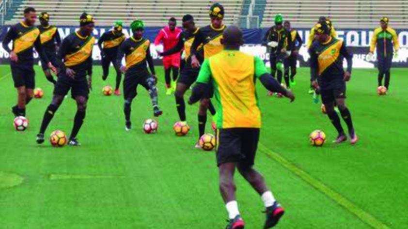 Jamaica enfrenta a Perú sin sus