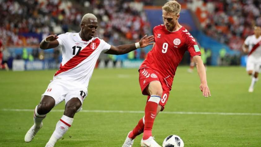 Perú debuta con derrota por 0-1 contra Dinamarca