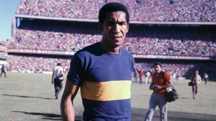 Futbolistas peruanos que dejaron huella en el fútbol argentino