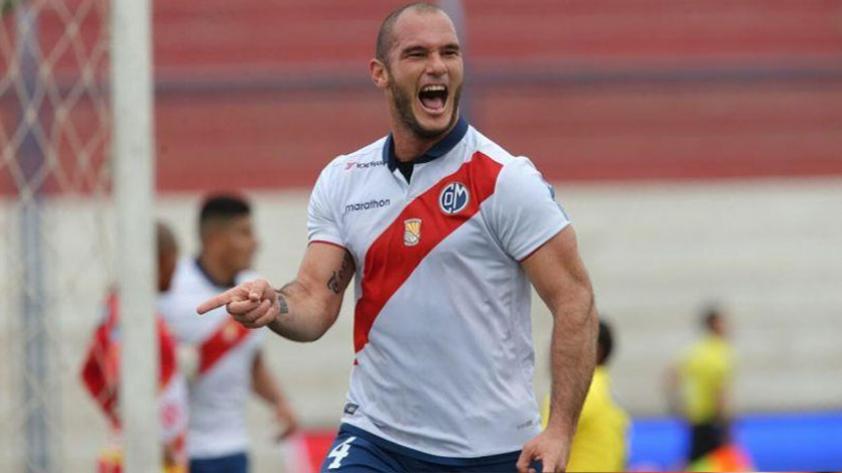 Adrián Zela renovó con Deportivo Municipal por todo el 2018