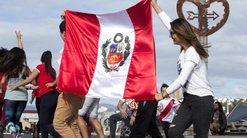 El insólito caso del periodista de Nueva Zelanda que hará barra por Perú