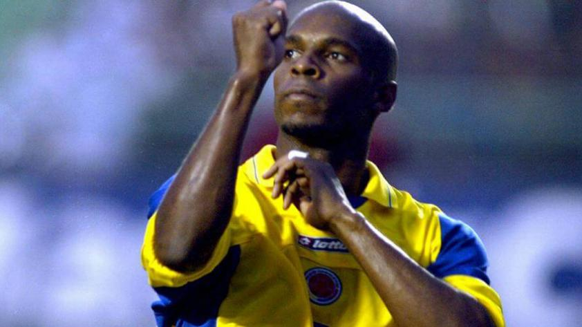 Tressor Moreno pega la vuelta al fútbol peruano