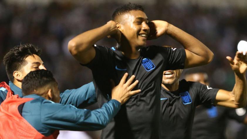 Alianza Lima venció 2-1 a San Martín y se acerca al título del Clausura