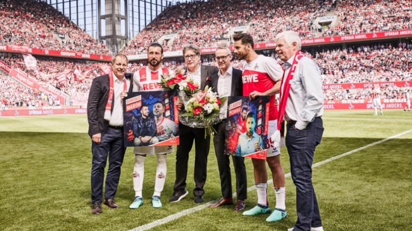 Bundesliga: Claudio Pizarro recibió homenaje del F.C. Colonia
