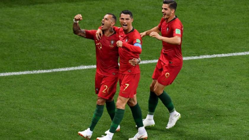 Portugal empata 1-1 con Irán y logra pasar a octavos de final