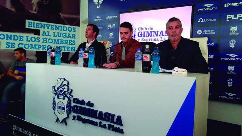 Mariano Soso fue presentado como nuevo DT de Gimnasia