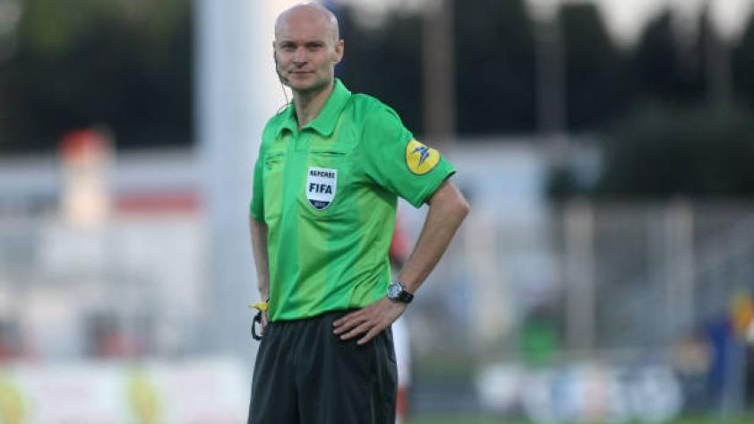 Tony Chapron: árbitro francés ya protagonizó situación insólita en Europa League