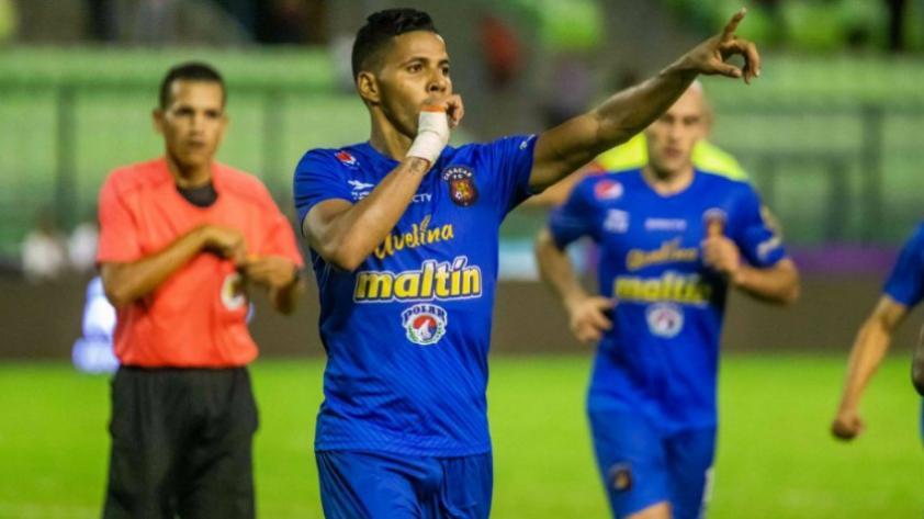 FBC Melgar vs. Caracas FC: equipo venezolano llegó a Lima y causó algarabía en hinchas venezolanos (VIDEO)