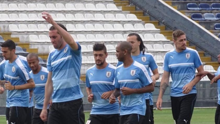 Uruguay hizo su última práctica en Matute y quedó listo