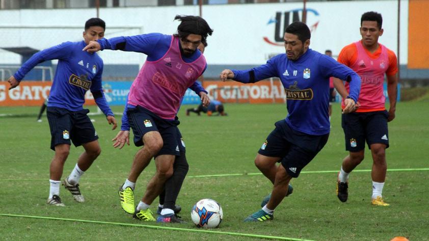 Novedades en Sporting Cristal: Jorge Cazulo a la zaga y Josepmir Ballón a la volante