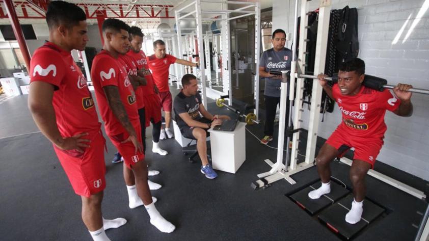 Selección Peruana realiza su primera práctica rumbo al Mundial