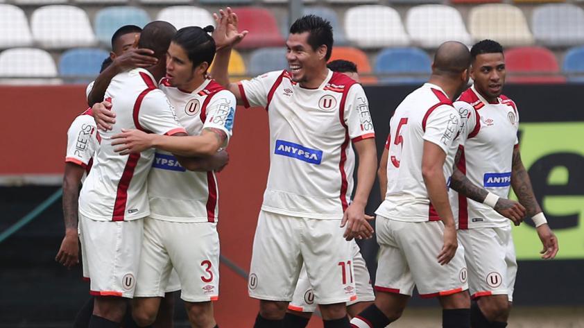 Universitario venció 2-1 a Real Garcilaso en el Monumental