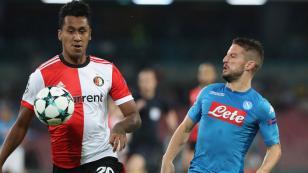 Renato Tapia hizo su debut oficial en la Champions League ante el Napoli