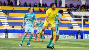 UTC derrotó a Comerciantes por 2-0 y se trepa a los primeros lugares del Clausura