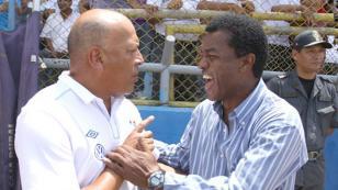 ¿Roberto Mosquera y Julio Cesar Uribe son opciones en Sporting Cristal?